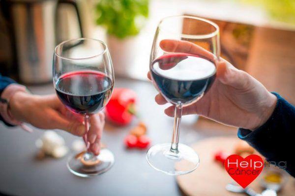 Beber alcohol en moderación también está relacionado con el cáncer 13