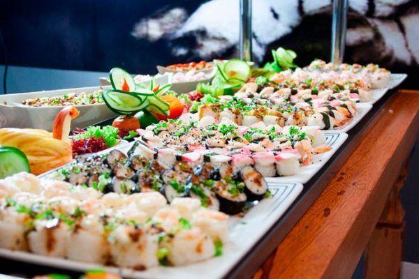 Estos son los peligros que puedes encontrar en un buffet libre 19